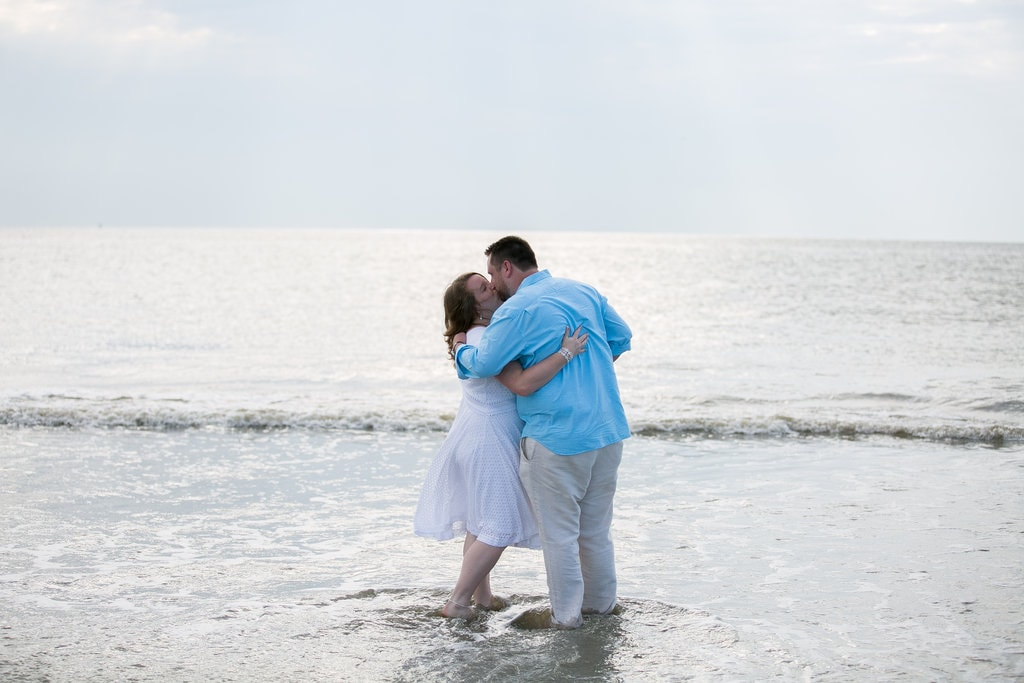 tybee island wedding kiss